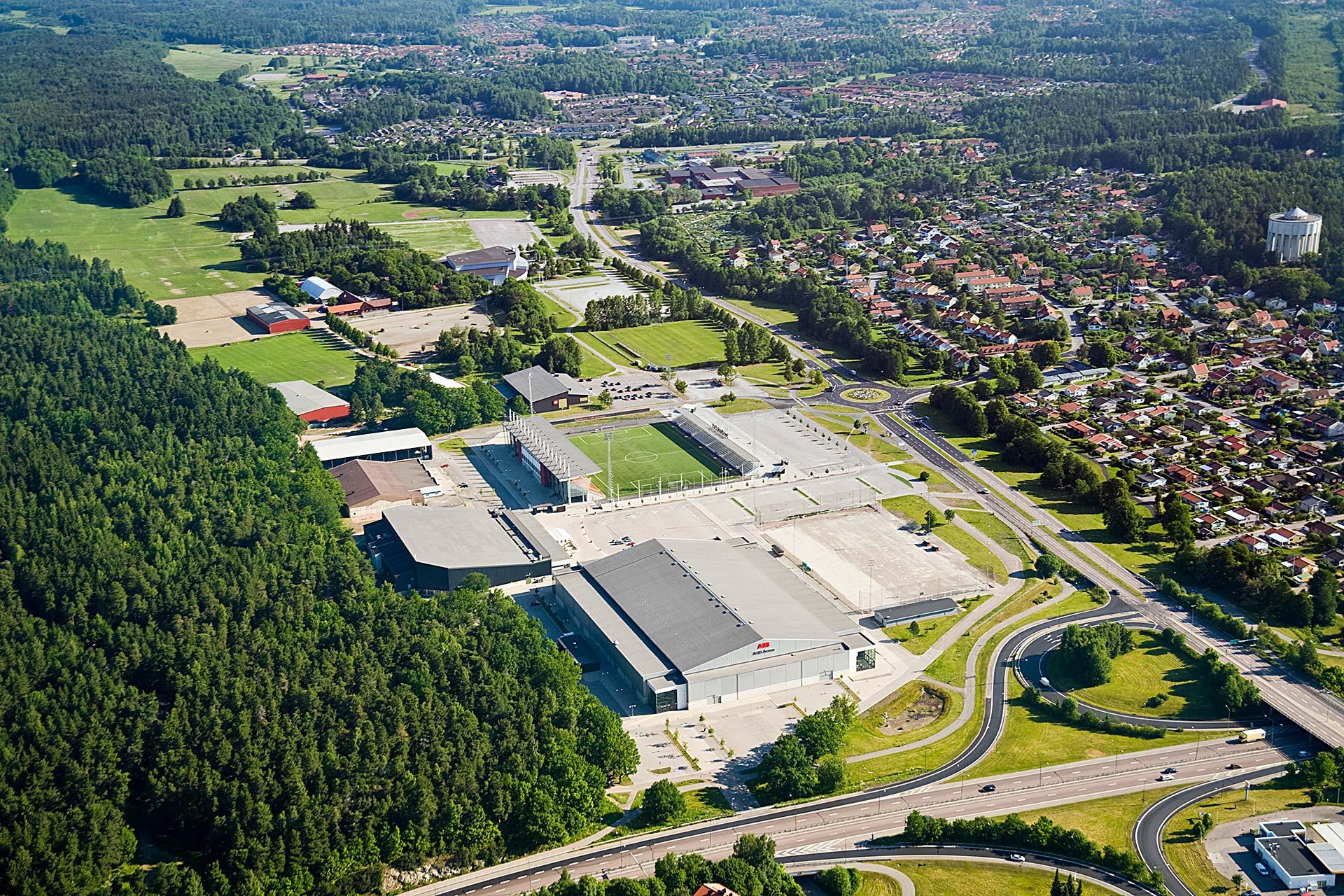 Flygbild över Rocklunda evenemangsområde i Västerås. Fotograf: Lennart Hyse